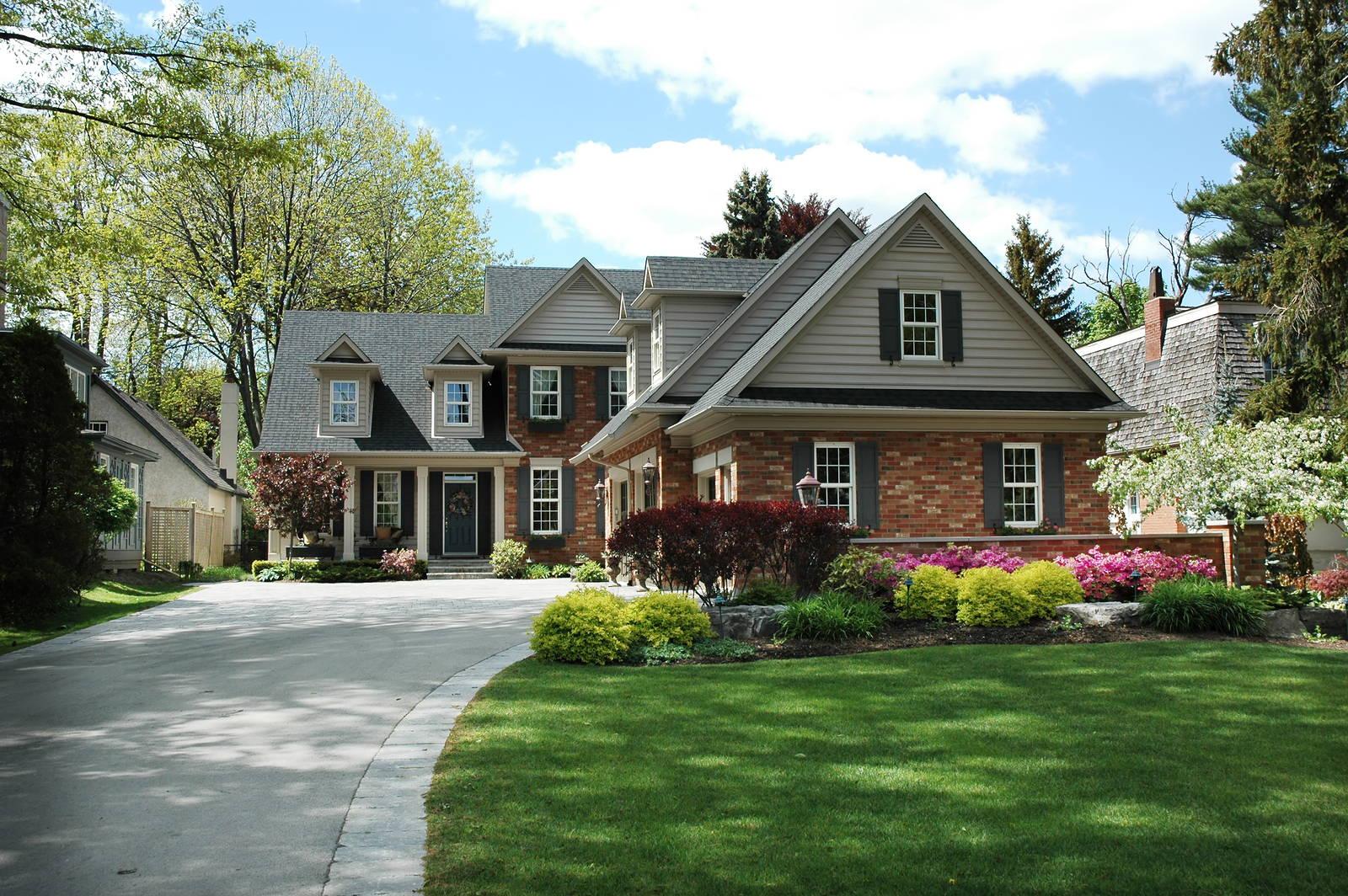 malowany dom z cegły