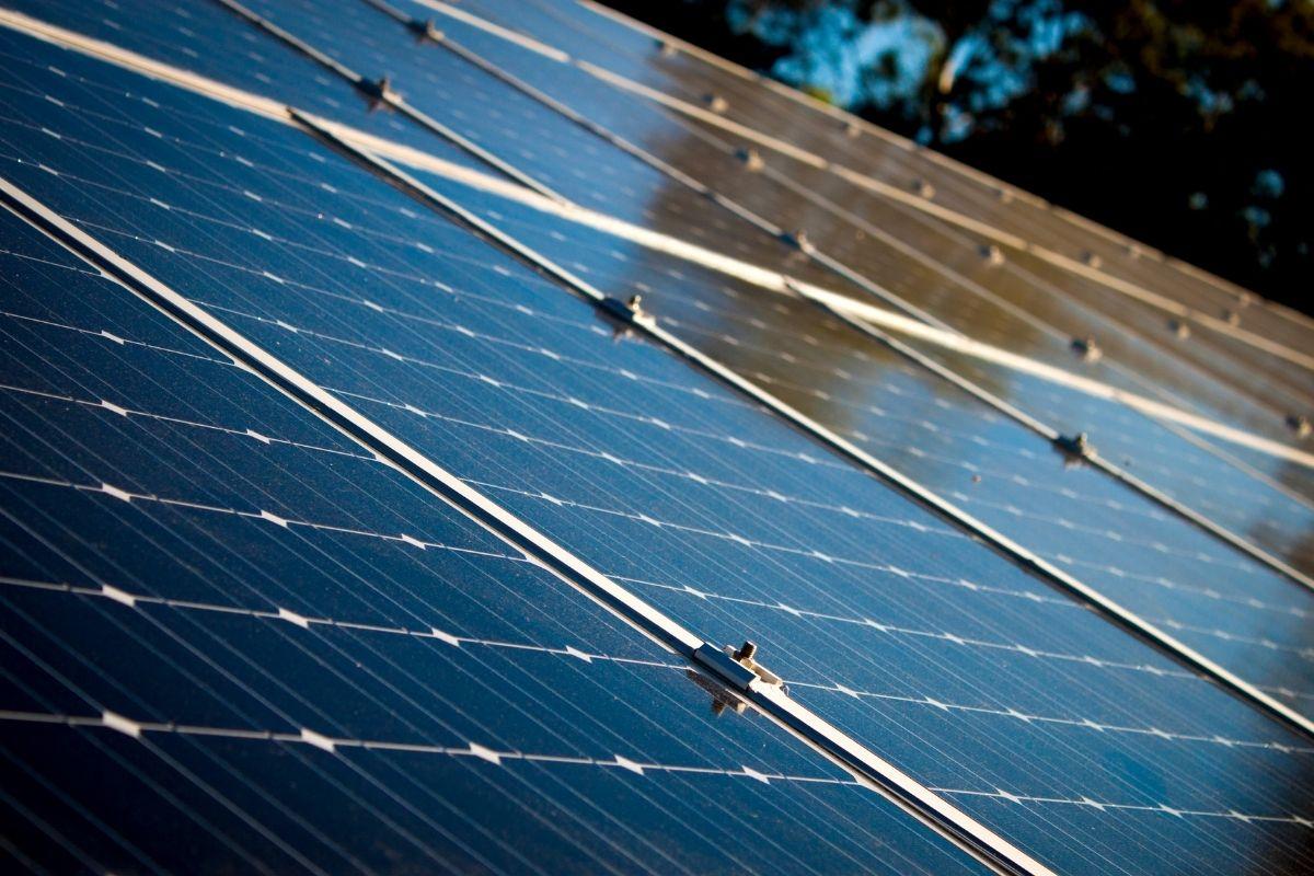 Panele fotowoltaiczne zamontowane przez firmę APP Energy w Kielcach