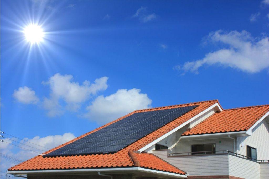 Instalacja fotowoltaiczna na dachu wykonana przez firmę APP Energy Lublin