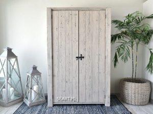 szafy drewniane